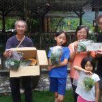 歡迎捐助人吳貴香親臨野菜學校領取野菜禮盒!